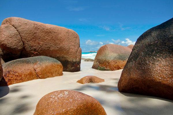 Granitfelsen-Seychellen-Strand